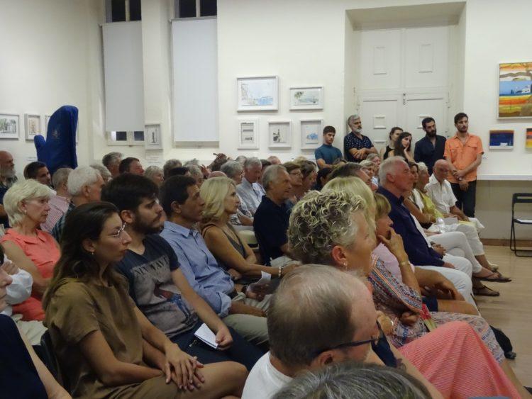Το κοινό μας στη διάρκεια της συναυλίας μπαρόκ στις 6/09. Αυτοσυγκεντρωμένοι όλοι!